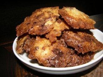 Migdoliniai sausainiai su šokoladu
