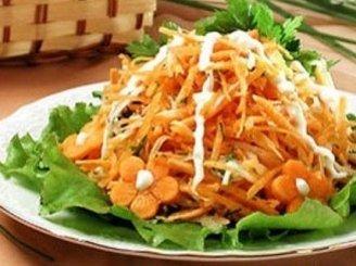 Salierų salotos su morkomis