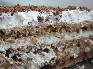 Šaldytas tortas su riešutais