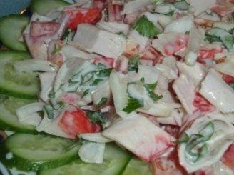 Krabų lazdelių salotos
