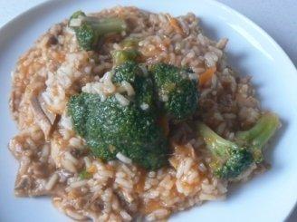 Vištienos plovas su brokoliais