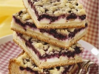Trupinių pyragas su uogiene ir varške