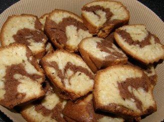 Dvispalvis pyragas