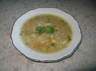 Perlinių kruopų - žirnių sriuba