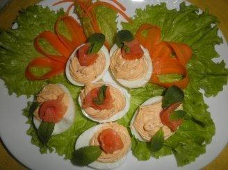 Kiaušiniai įdaryti lašišos sufle