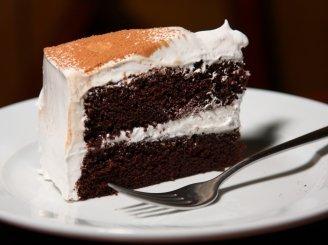 """Šokoladinis tortas """"Velnio Maistas"""" (Devil's Food Cake with Angel Frosting)"""