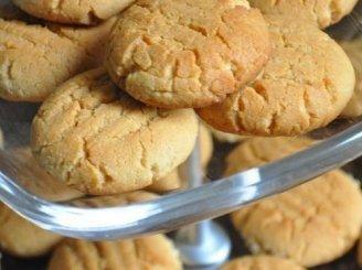Sausainiai su žemės riešutų sviestu