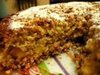 Avižinių dribsnių pyragas su obuoliais
