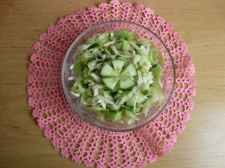 Rabarbarų salotos su agurkais