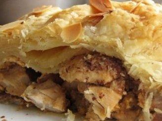 Pikantiškas vištienos pyragas su migdolais