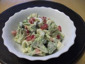 Brokolių salotos su šonine