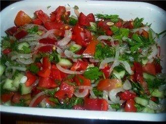 Lengvos daržovių salotos