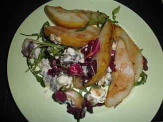 Salotos su pelėsiniu sūriu ir kriaušėmis