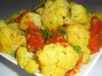 Žiediniai kopūstai su pomidorais