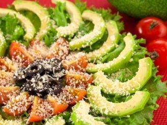 Avokadų salotos