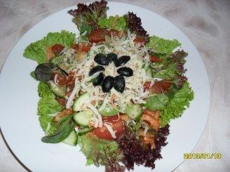 Sveikuoliškos  ir spalvingos salotos (labai tinka prie žuvies)
