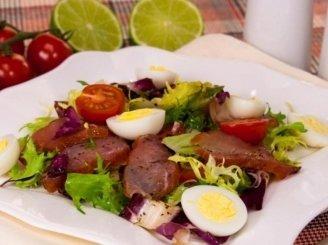 Karpačio salotos su vyšniniais pomidorias ir aromatingu padažu