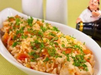 Vištienos krūtinėlės, ryžių ir pomidorų troškinys
