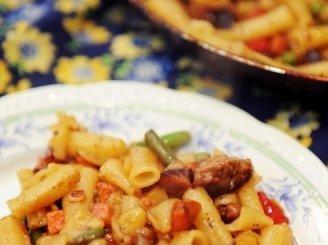 Mėsos ir makaronų troškinys