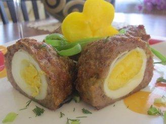 Kiaušiniais įdaryti mėsos kukuliai