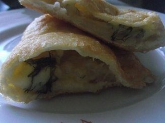 Čeburekai su fermentiniu sūriu