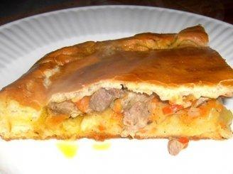 Pyragas su mėsos ir bulvių įdaru