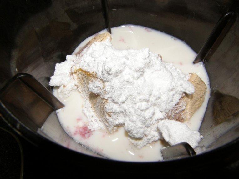 Pieno - ledų braškinis kokteilis