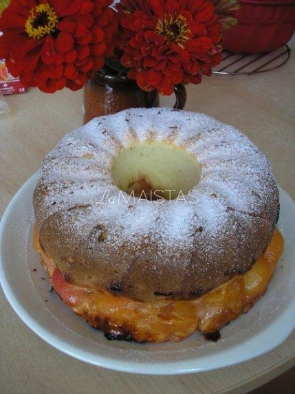 Šiltas slyvų pyragas