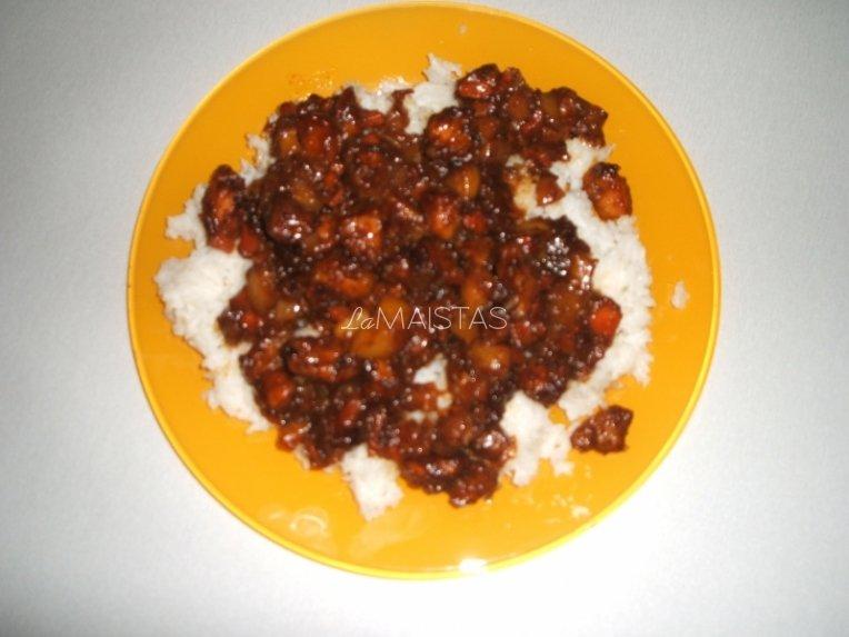 Kinietiška vištiena su daržovėmis