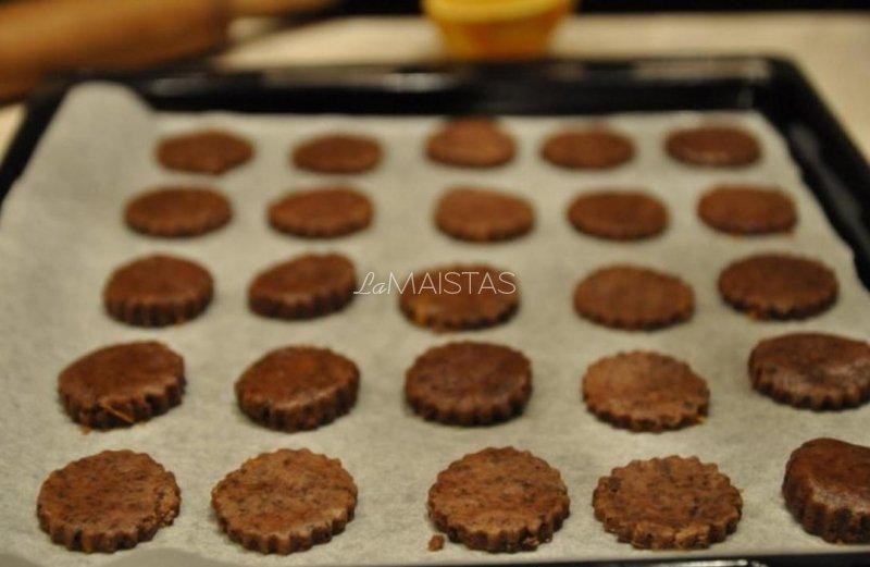 Šokoladiniai sausainiai su glazūra