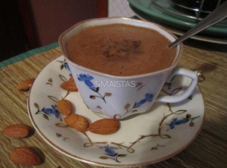 Migdolų kava