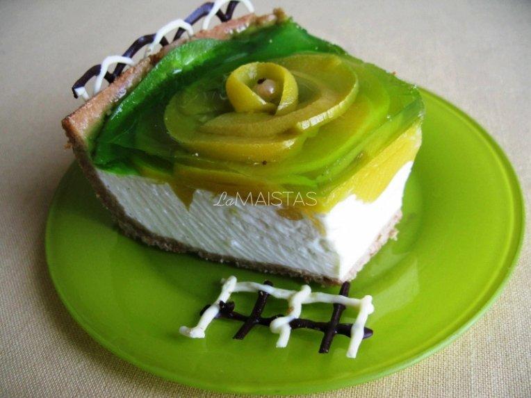 Maskarponės tortas su persikais ir mangais