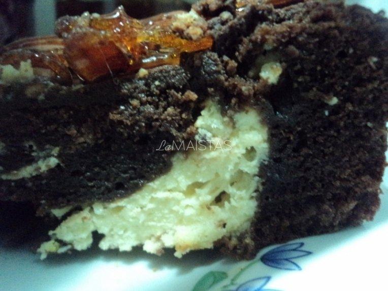 Šokoladinis pyragas su varškės rutuliukais