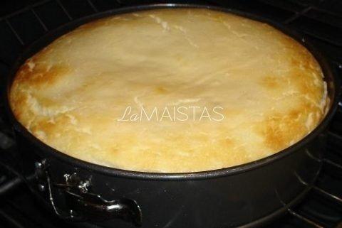 Varškės sūrio pyragas