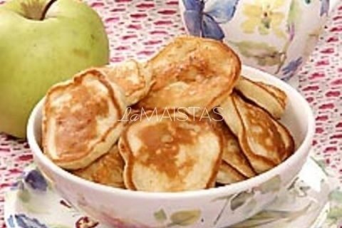 Blynai su obuoliais