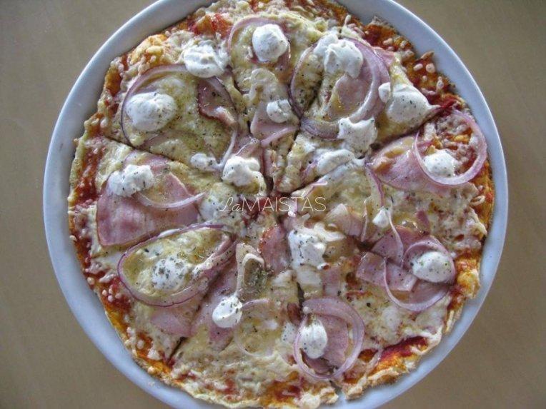 Naminė pica žiemos vakarui