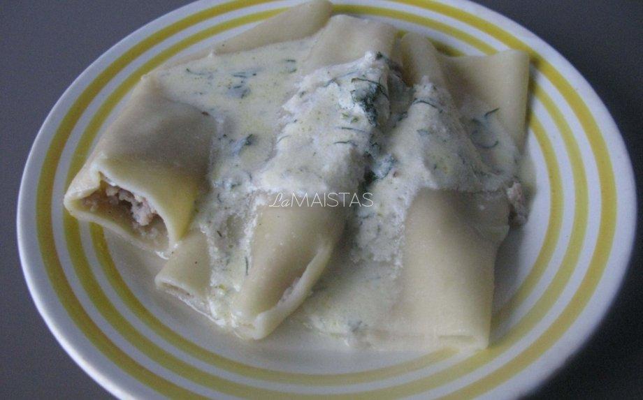 Faršu kimšti makaronai mamos pusryčiams