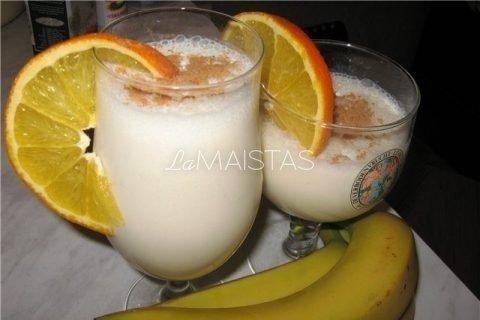 Bananų kokteilis