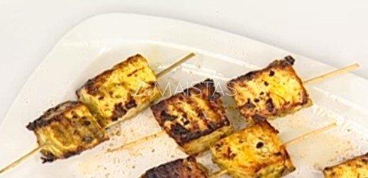 Karštas ananasų desertas ant grilio