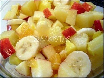 Obuolių salotos su  kondensuotu pienu