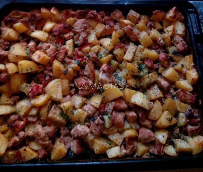 Vištienos, bulvių ir pievagrybių troškinys orkaitėje