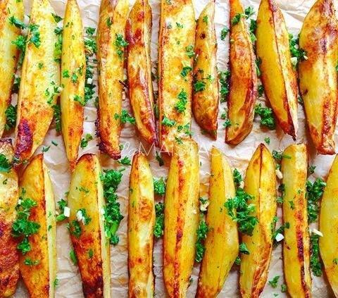 Be galo skanios orkaitėje keptos bulvės
