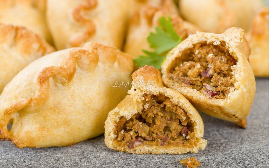 """Naminiai pyragėliai """"Samosos"""" su daržovėmis"""