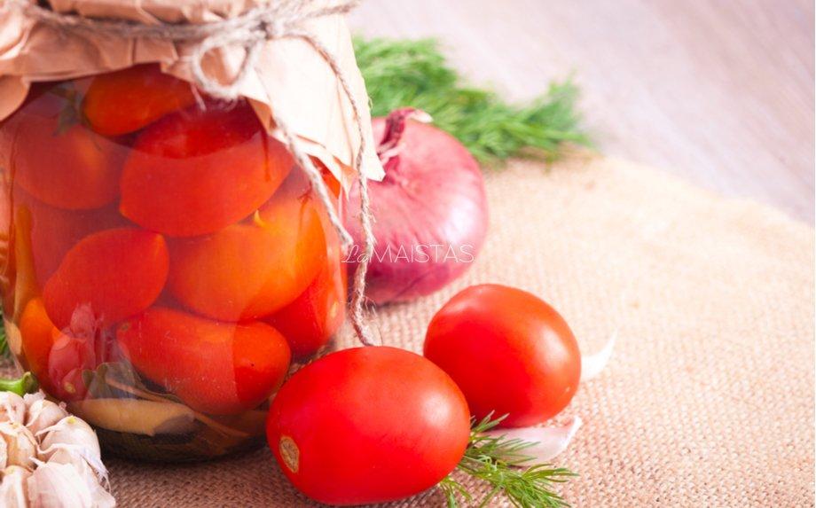 Rauginti pomidorai