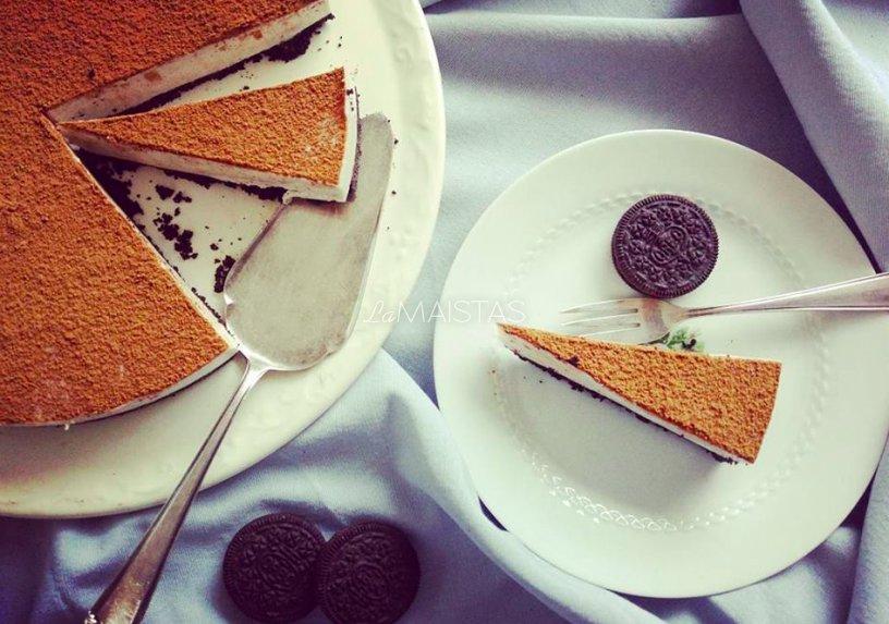 Greitas nekeptas Oreo sausainių ir varškės tortas