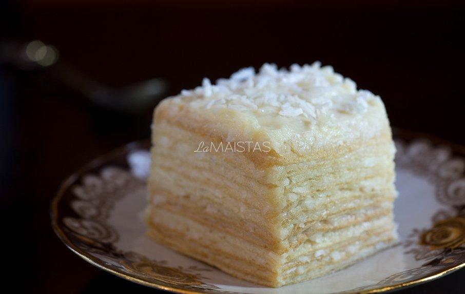 Kokosinis vaflių tortas su maskarpone