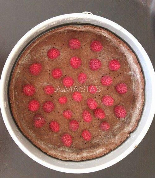 Šokoladinio kremo tortas su avietėmis