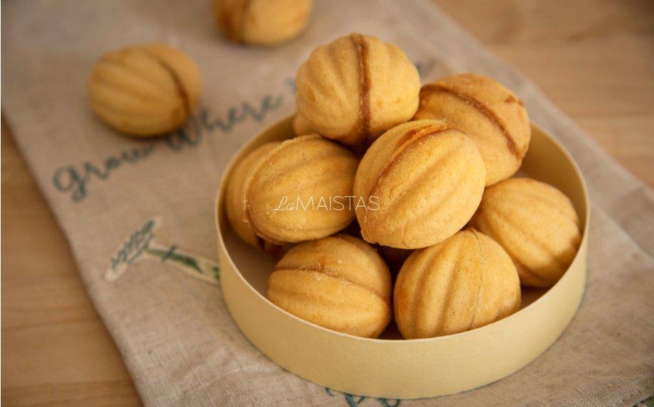 Sausainiai Riešutėliai