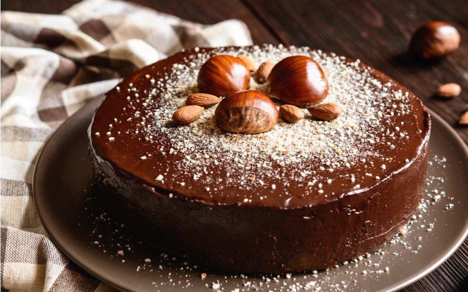 Danutės vaflinis pyragas (pertepti vafliai su šokoladu)