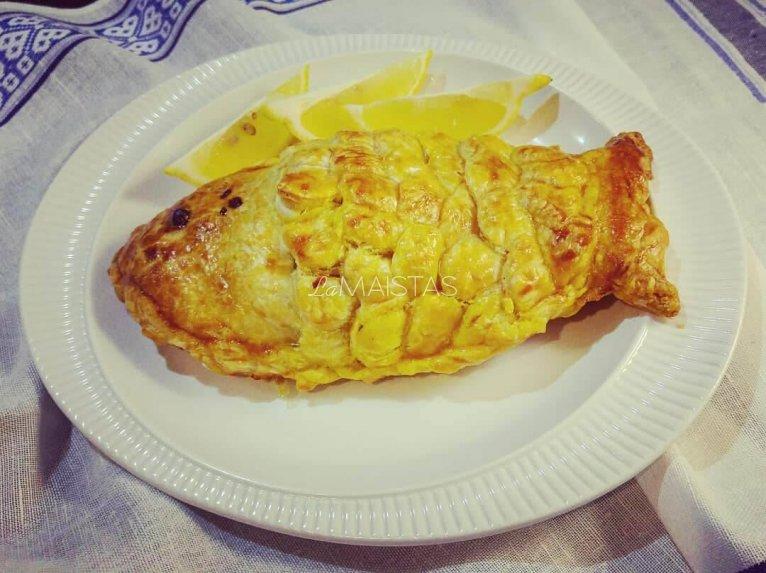 Sluoksniuotos tešlos pyragėliai Žuvytės su žuvies įdaru